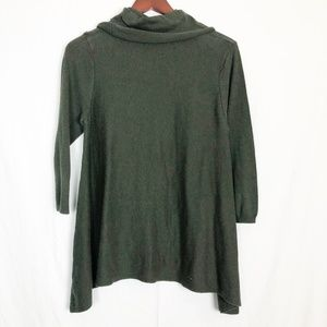 The Limited Size Large 3/4 Sleeve Wool Top